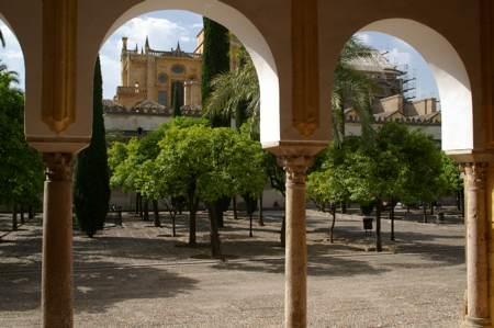 mezquitacourtyard.jpg