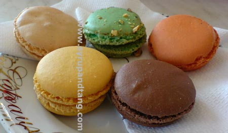 Melbourne's not so great macarons, plus rubbish in Epicure