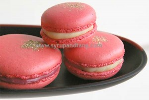 It's beginning to feel a lot like Christmas… macarons!