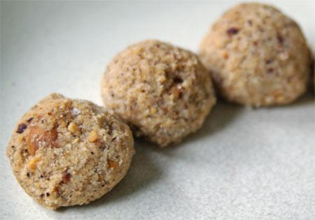 hazelnutballs1